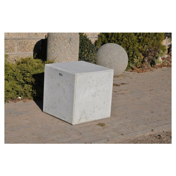 Betonowy słupek parkingowy 50x50cm wys. 50cm kod: 346