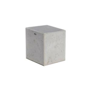 Słupki z betonu architektonicznego